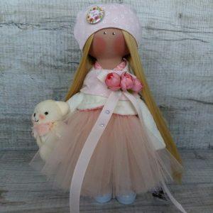Дизайнерская кукла ручной работы в персиковых тонах