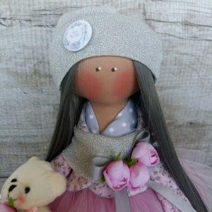 Дизайнерская кукла ручной работы в сером берете