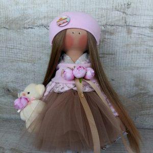 Дизайнерская кукла ручной работы в накидке с цветами