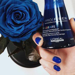 Синяя роза под стеклом