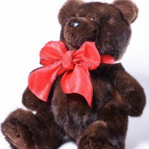 Дизайнерские игрушки из меха мишка коричневый с красным бантом