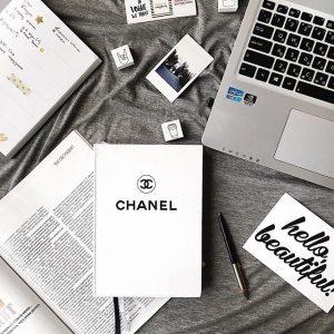 Ежедневник  в стиле Шанель белый