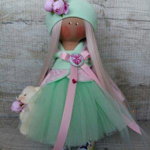 Дизайнерская кукла ручной работы в зеленом