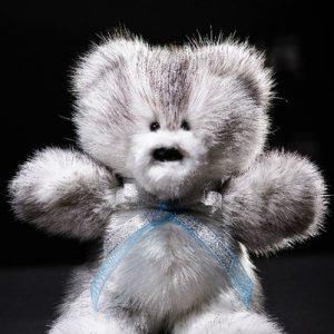Дизайнерские игрушки из меха мишка серый