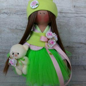 Дизайнерская кукла ручной работы в салатовом