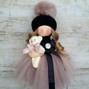 Дизайнерская кукла ручной работы в бежевом