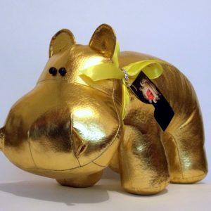 Бегемот из кожи цвет золота