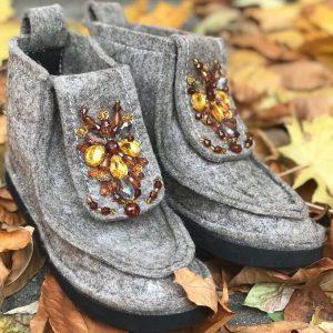 D$ Женские серые ботинки с камнями