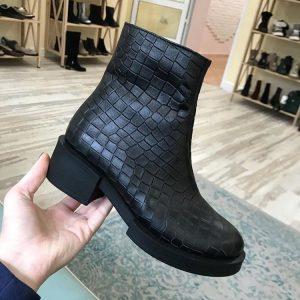 D$ Кожаные женские ботинки черные с мехом
