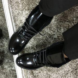 VN Лаковые ботильоны на шнурках черные