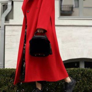 Женская сумка бочонок в меховом чехле