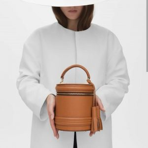 Женская сумка кожаная бочка рыжая