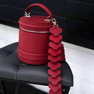 Женская сумка кожаная бочка красная