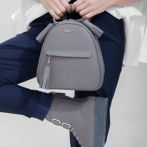 Женский рюкзак серый кожаный