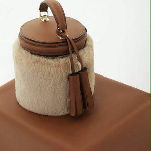 Женская сумка с натуральным мехом рыжая