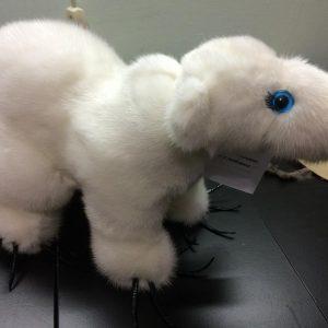 Игрушка из норки мишка белый полярный 1