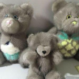 Меховые игрушки мишки серые 3