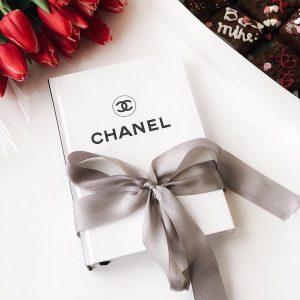 Ежедневник Chanel белый с лентой