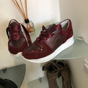 VN Демисезонная женская обувь кроссовки марсала