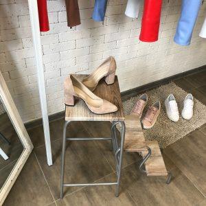 VN Пошив обуви на заказ туфли замшевые телесные (4)
