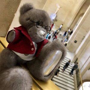 Игрушка из натурального меха мишка Тедди в очках