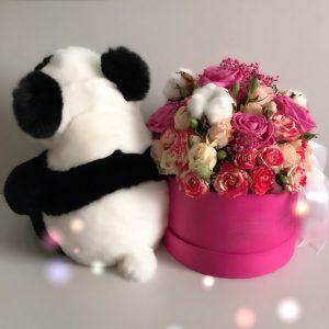 Меховая игрушка мишка панда черно белый с цветами (2)