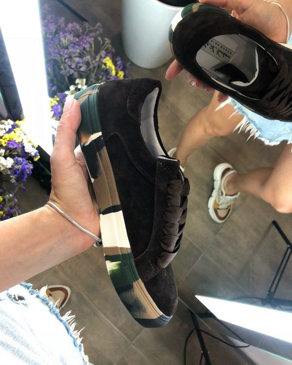 VN Авторская обувь купить кеды из замши темно-коричневые подошва хаки (1)