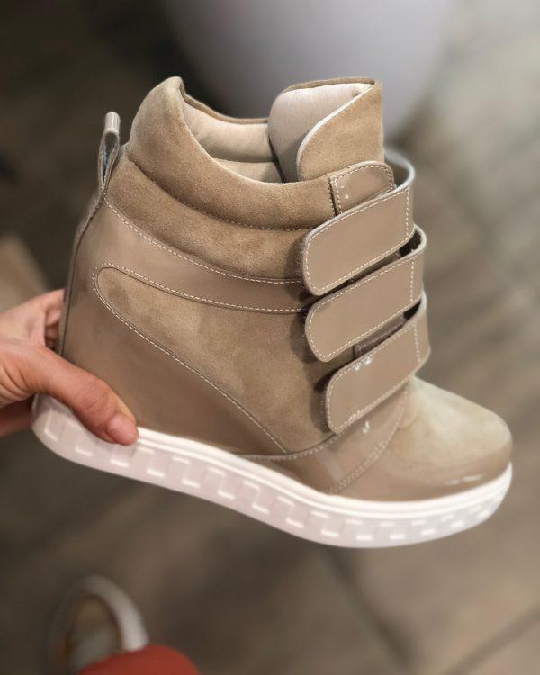 VN Демисезонная женская обувь сникерсы замша бежевая на липучках (3)