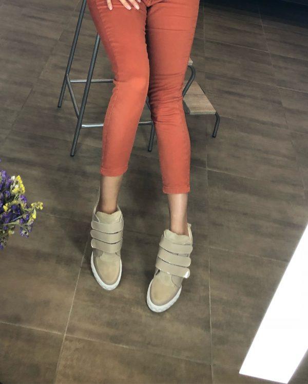 VN Демисезонная женская обувь сникерсы замша бежевая на липучках (5)