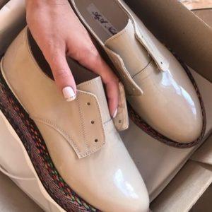 VN Пошив обуви на заказ туфель кожаных лаковых на платформе