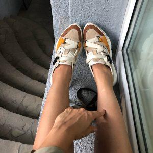 VN Женская обувь весна кроссовки из кожи коричнево-белые со сменными шнурками
