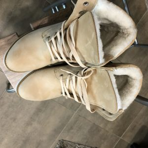VN Женские ботинки замшевые пошив бежевых на шнурках