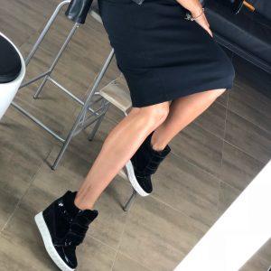 VN Женские сникерсы зимние замшевые черные со вставками лаковыми
