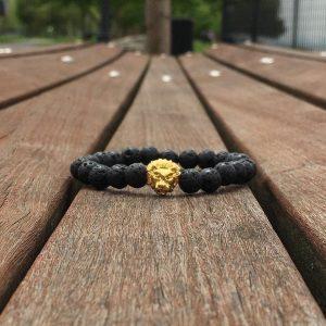 Мужские браслеты из натуральных камней со львом «LION GOLD | Lava»