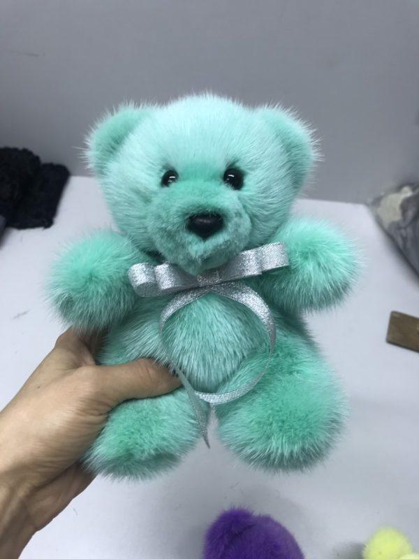 Интерьерная игрушка мишка бирюзовый из меха 000.908 фото