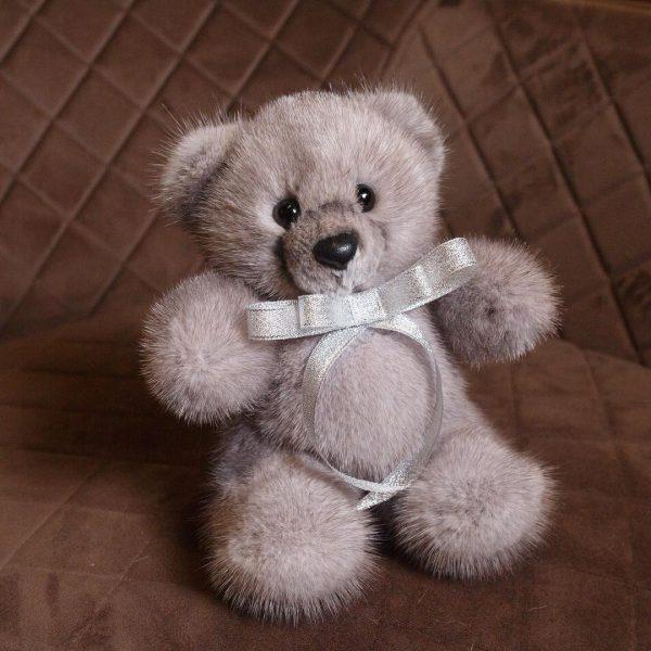 Интерьерная игрушка мишка светло-коричневый из меха 000.877 фото