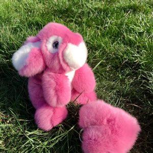 Интерьерная игрушка заяц розовый из меха 000.871
