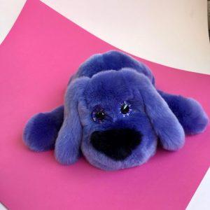 Интерьерная игрушка собачка синяя из меха 000.865